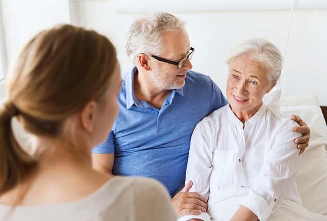 https://images.vivintcdn.com/global/vivint.com/resources/faqs/elderly-parents-gain-smart-home-help-with-vivint-min.jpg