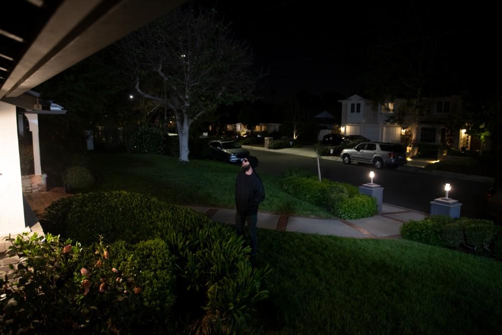 vivint burglar outside home