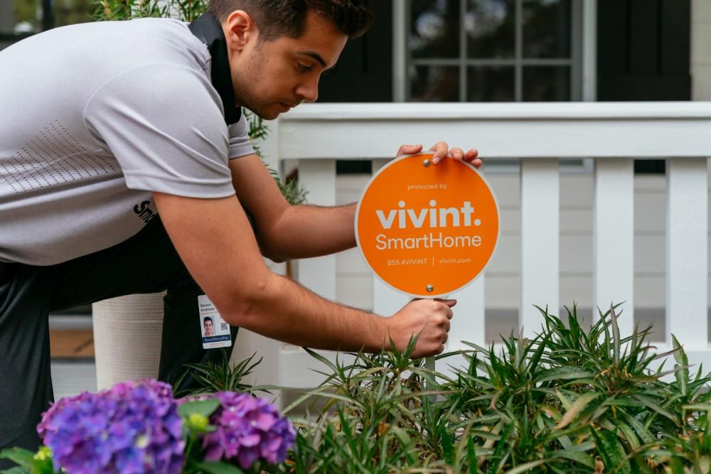 vivint smart home pro sign