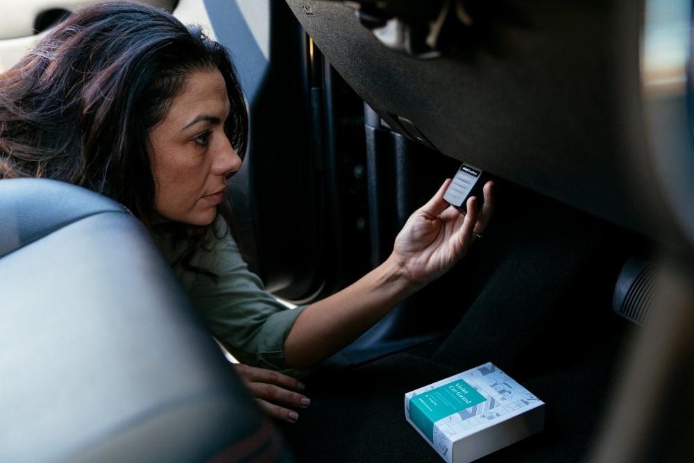 Vivint Car Guard Woman Install