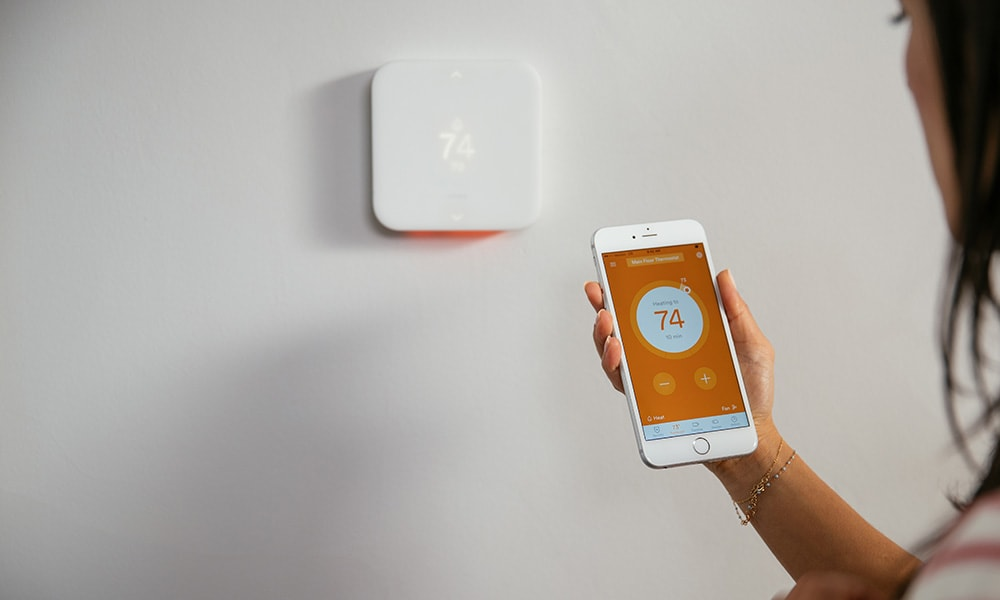 Element Thermostat being adjusted via the Vivint Smart Home app