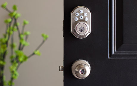 Vivint Smart Home delivers automation ...cnet.com