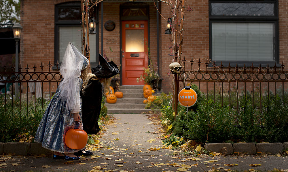 How To Set The Spooky Mood This Halloween